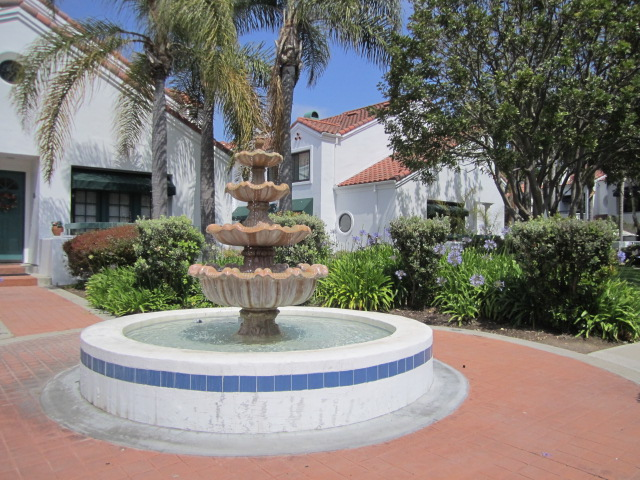 $820,000 Pacific Ranch in Huntington Beach4 Bedroom Townhouse in the Gate Community